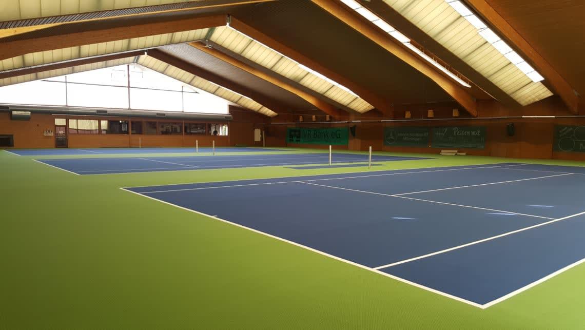 Tennishalle Tennisclub Mössingen Boden Blau und Grün