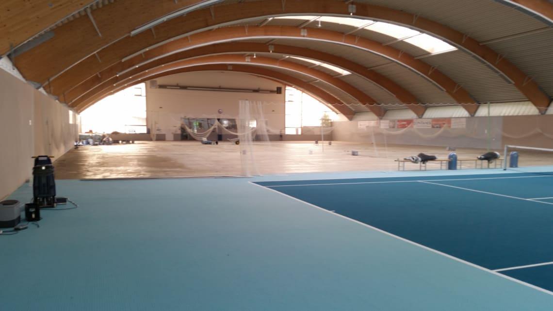 Tennishalle Tennisklub Bietigheim blauer Boden