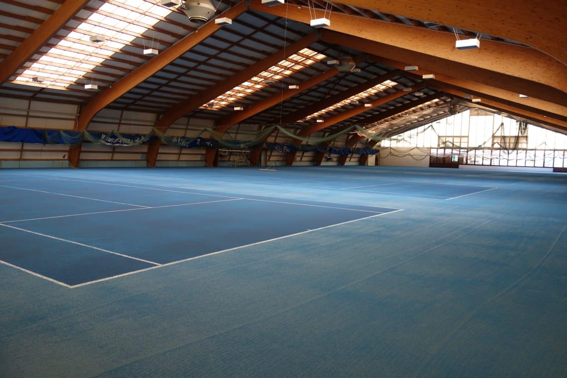 Tennisacademy Michel Kratochvil Bolligen Tennishalle Bodenfarbe blau