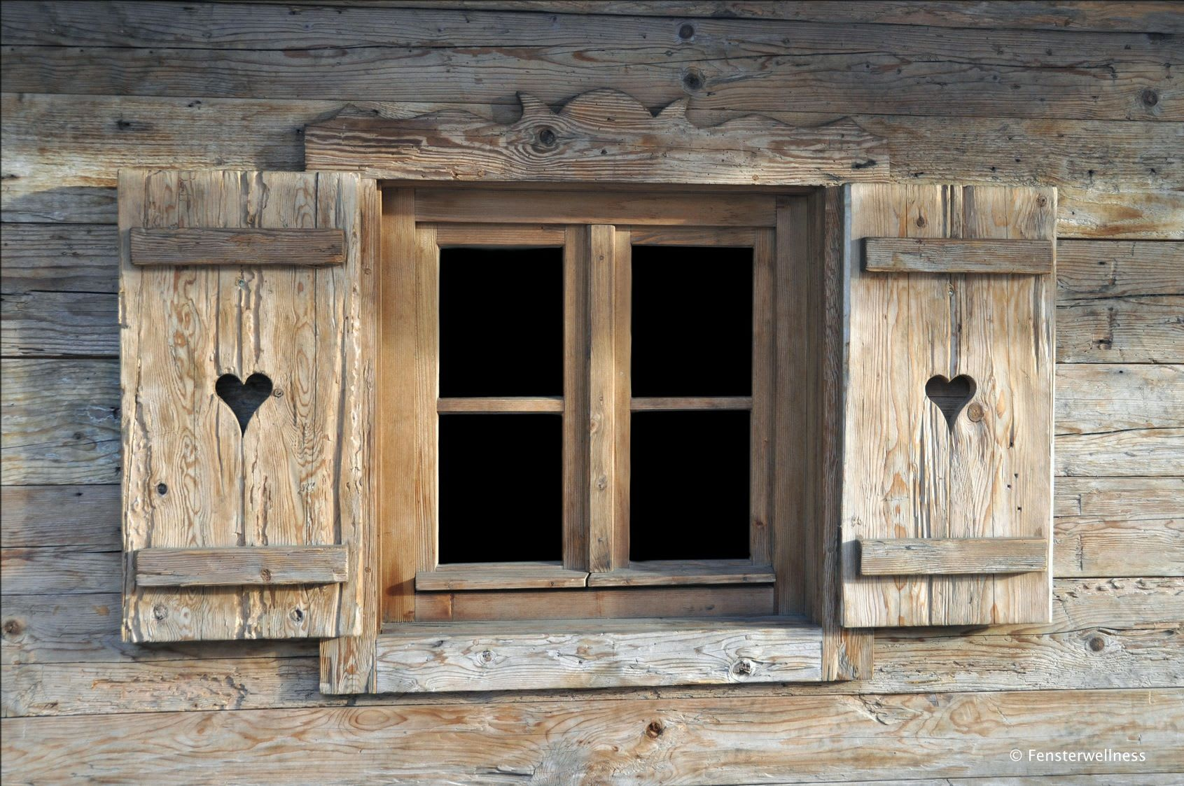 altes Holzfenster