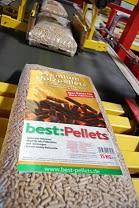 best:Pellets Sack auf Förderband