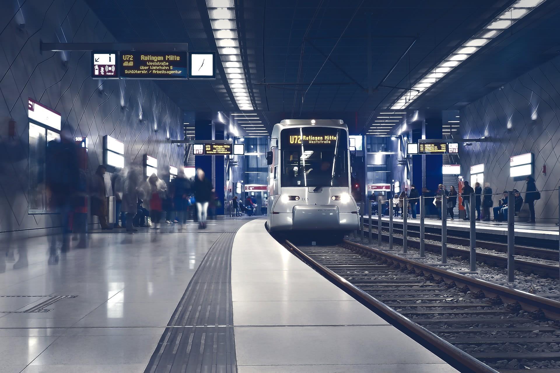 Titelbild Customers Journey Straßenbahn
