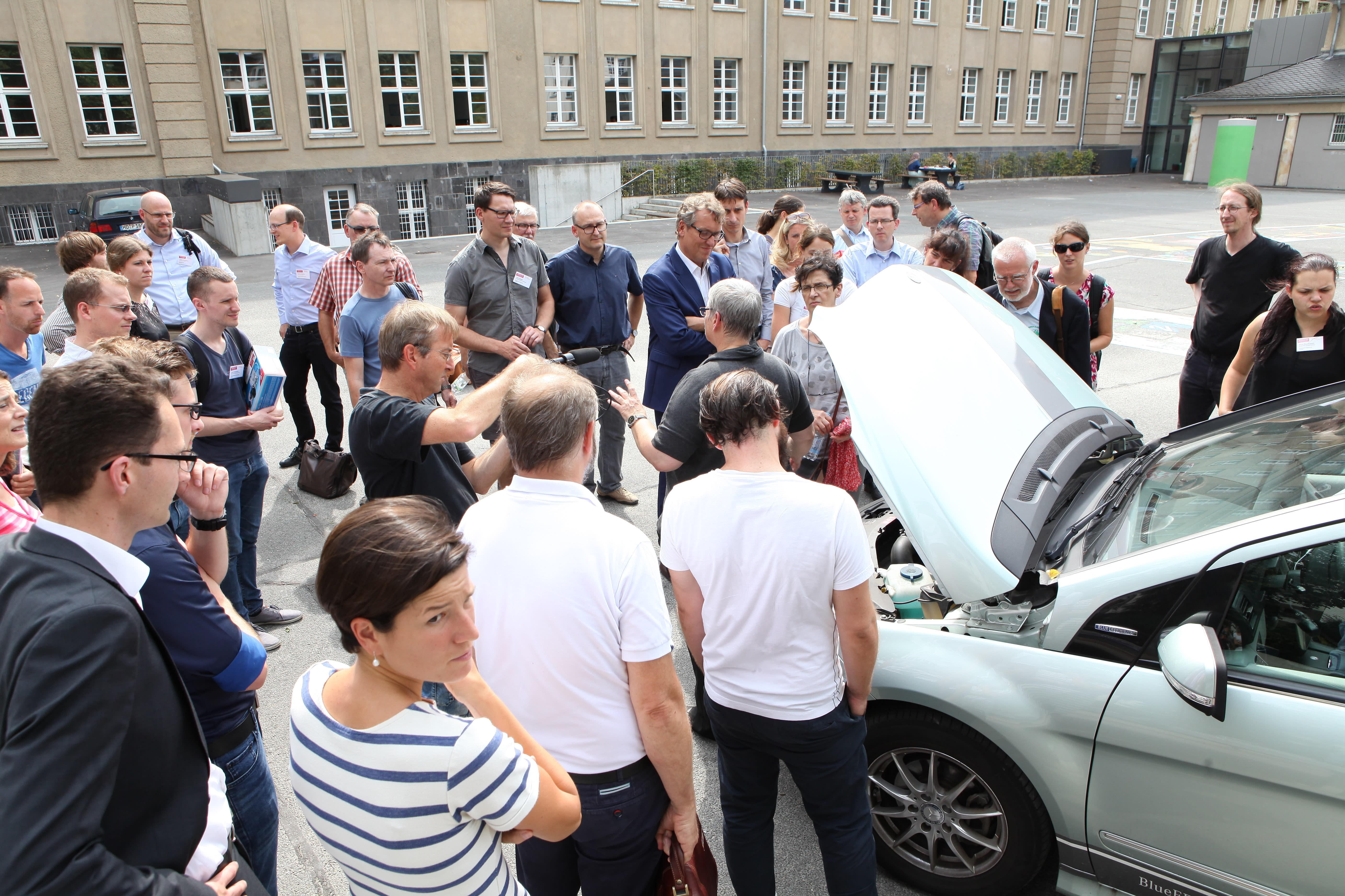Elo Brenstoffzellenauto
