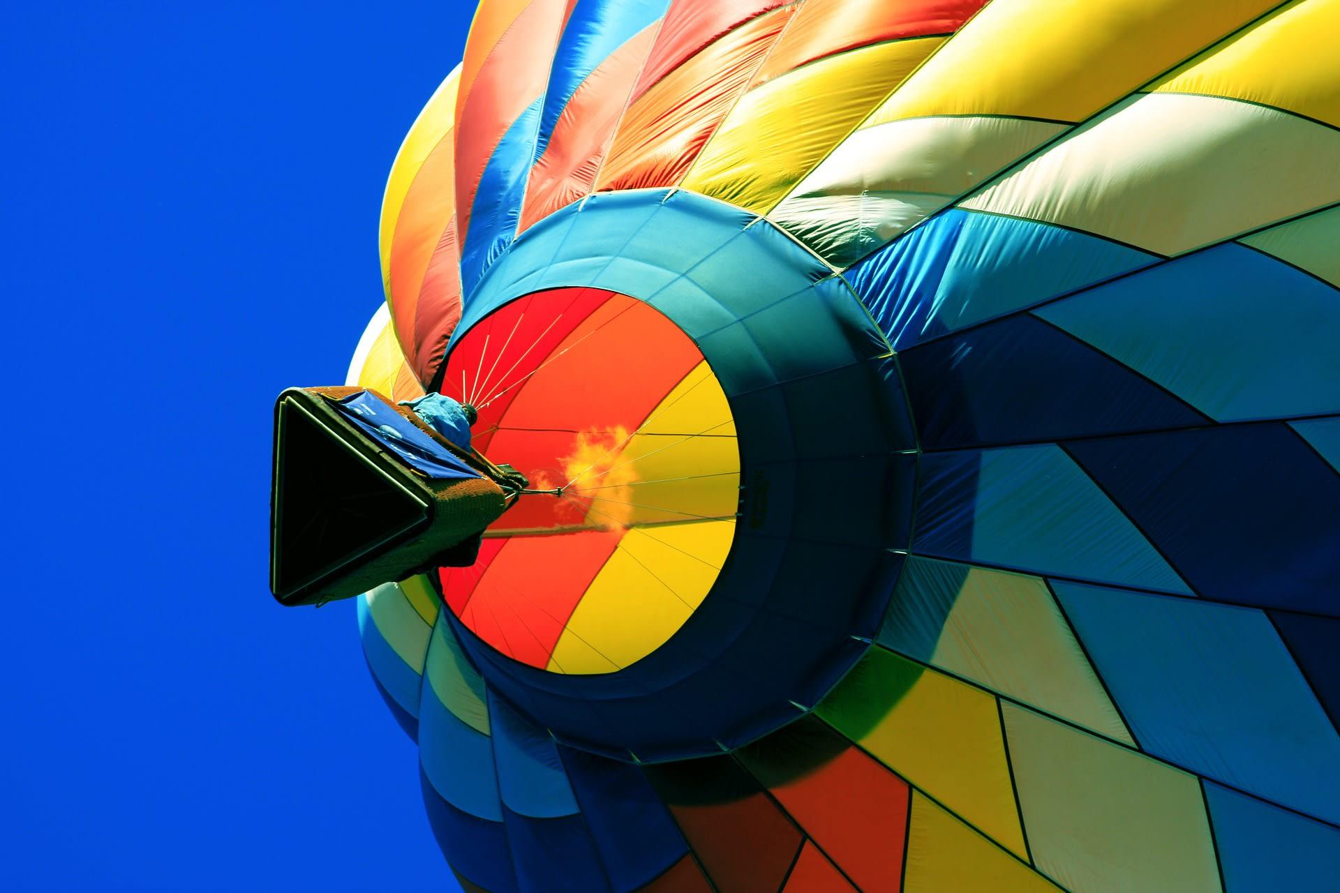 Fliegenden Heißluftballon