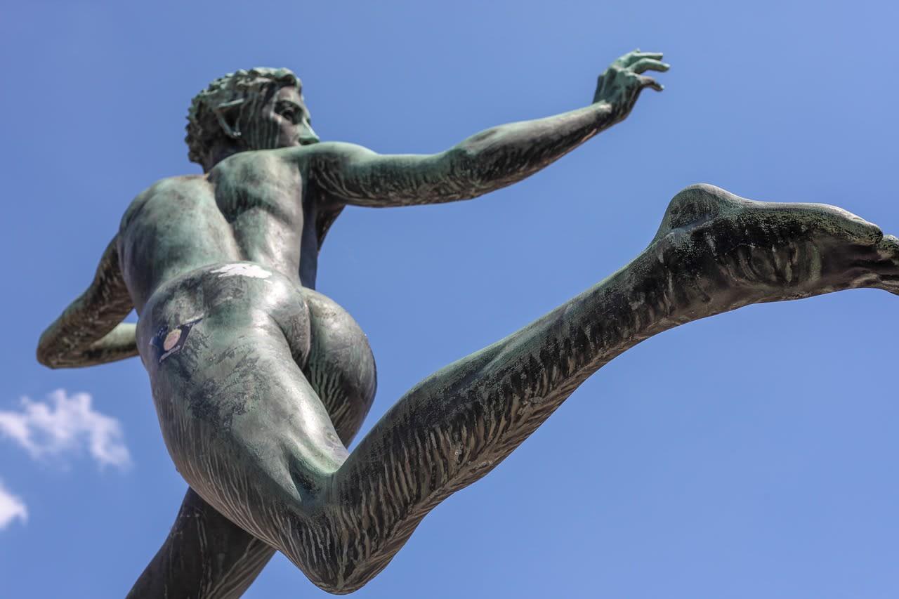 Flucht Statue