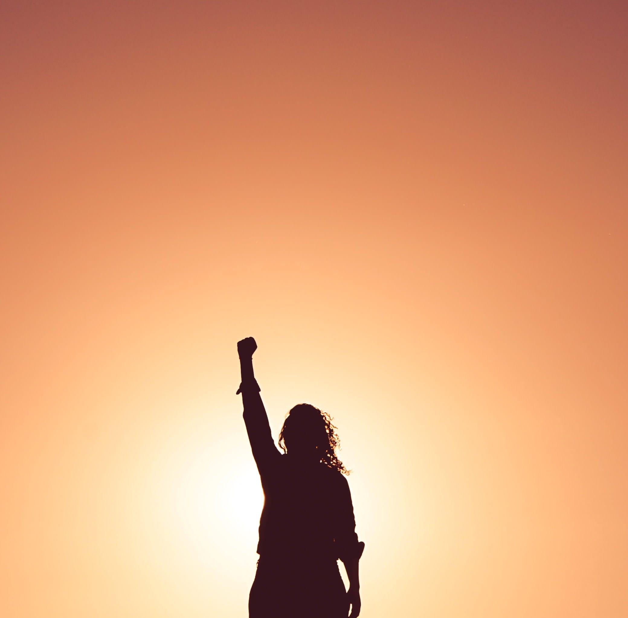 Frau voller Kraft