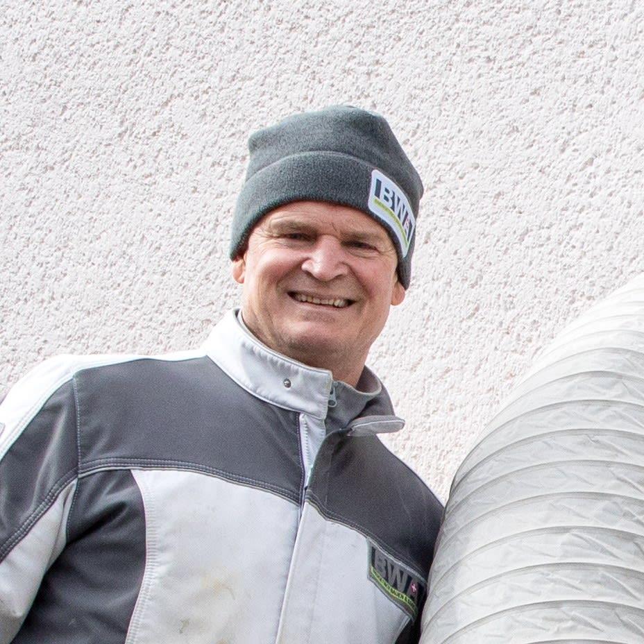 Ansprechpartner Herr Bühler