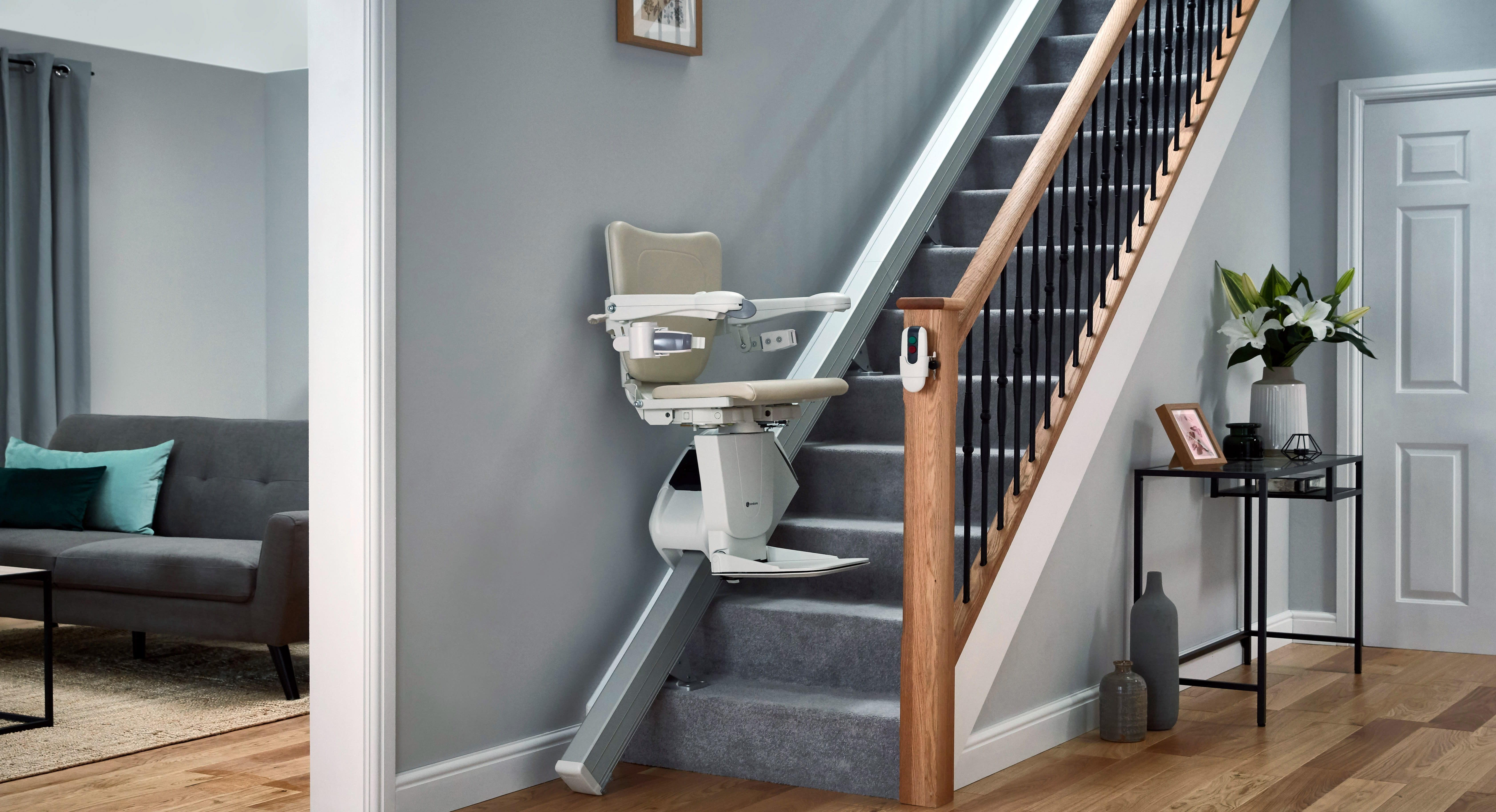 Treppenlift im Wohnzimmer