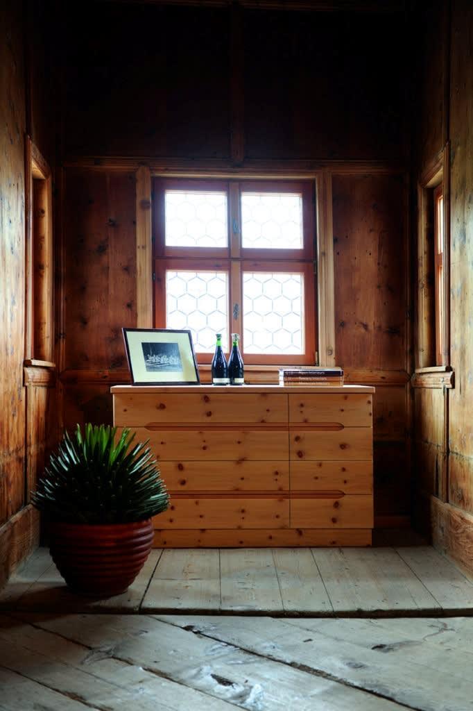 Sideboard aus Zirbenholz