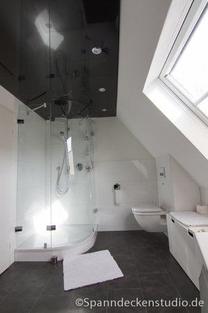 Spanndecke schwarz glänzend mit Beleuchtung Badezimmer Dusche