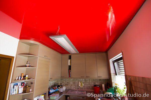 Spanndecke rot glänzend mit Beleuchtung Küche