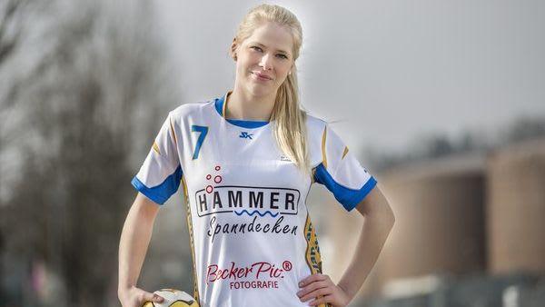 Sponsoring Spanndeckenstudio Hammer für Handball junge Blondine 2