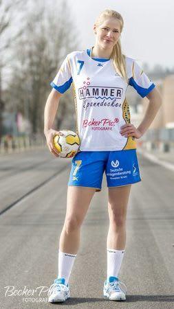 Sponsoring Spanndeckenstudio Hammer für Handball junge Blondine 4