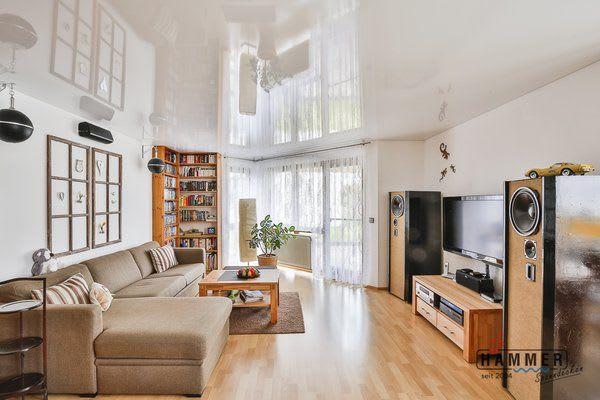 Wohnzimmer mit Spanndecke Kunststoff