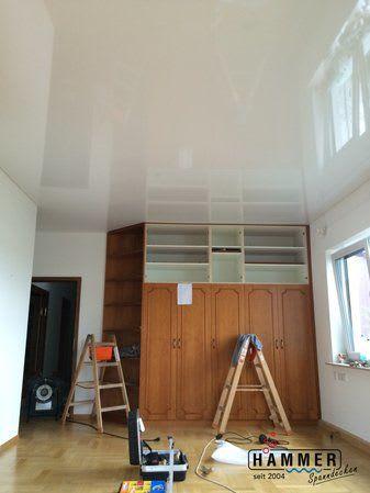Spanndecke nach der Renovierung mit weißer Glanzspanndecke