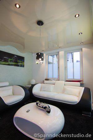Spanndecke creme glanz Swarovski Hängelampe Wohnzimmer