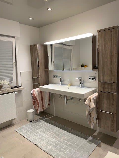 Badezimmer von badstudiohammer