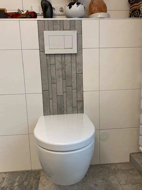 Toilette im Badezimmer