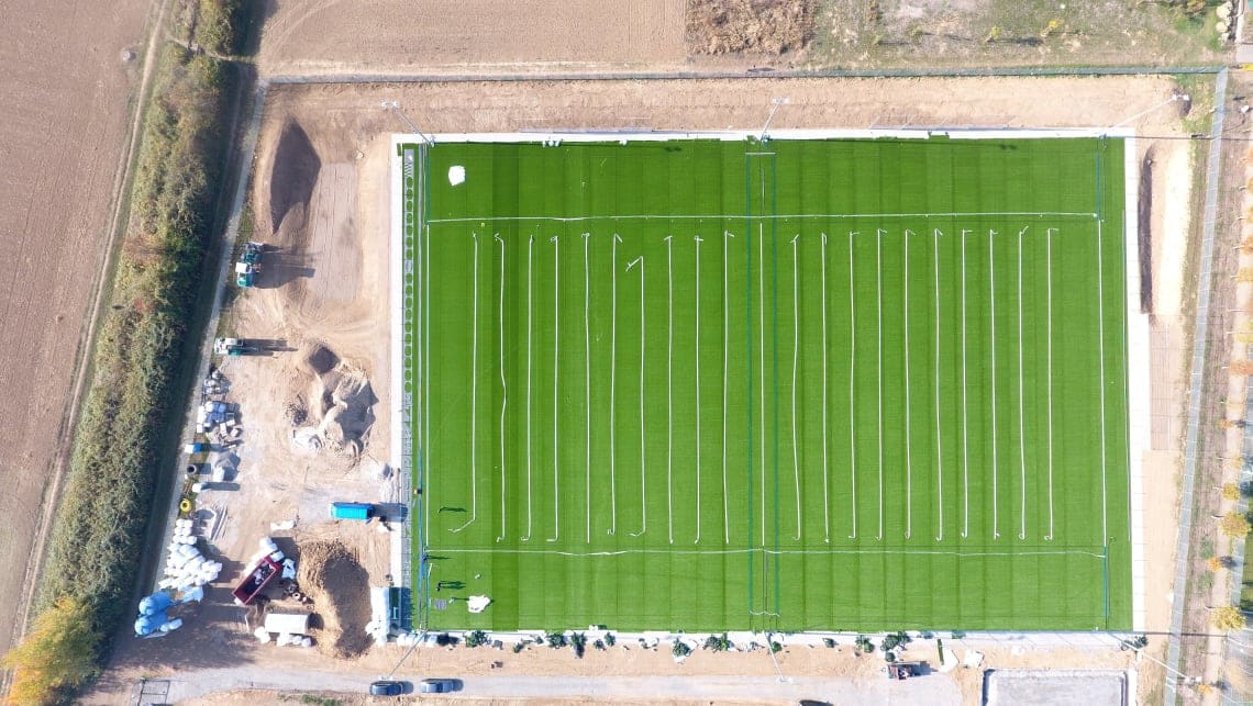 Aufbau des neuen Football-Felds in Weinheim