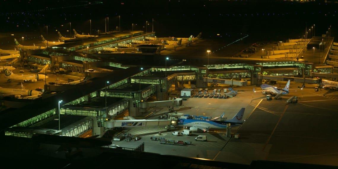 Beleuchtung eines Flughafens durch AAA-LUX LED