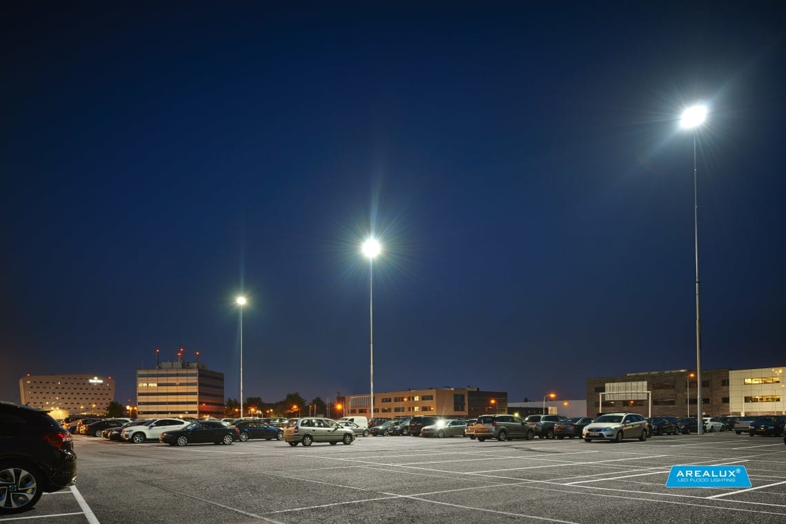 Beleuchteter Parkplatz