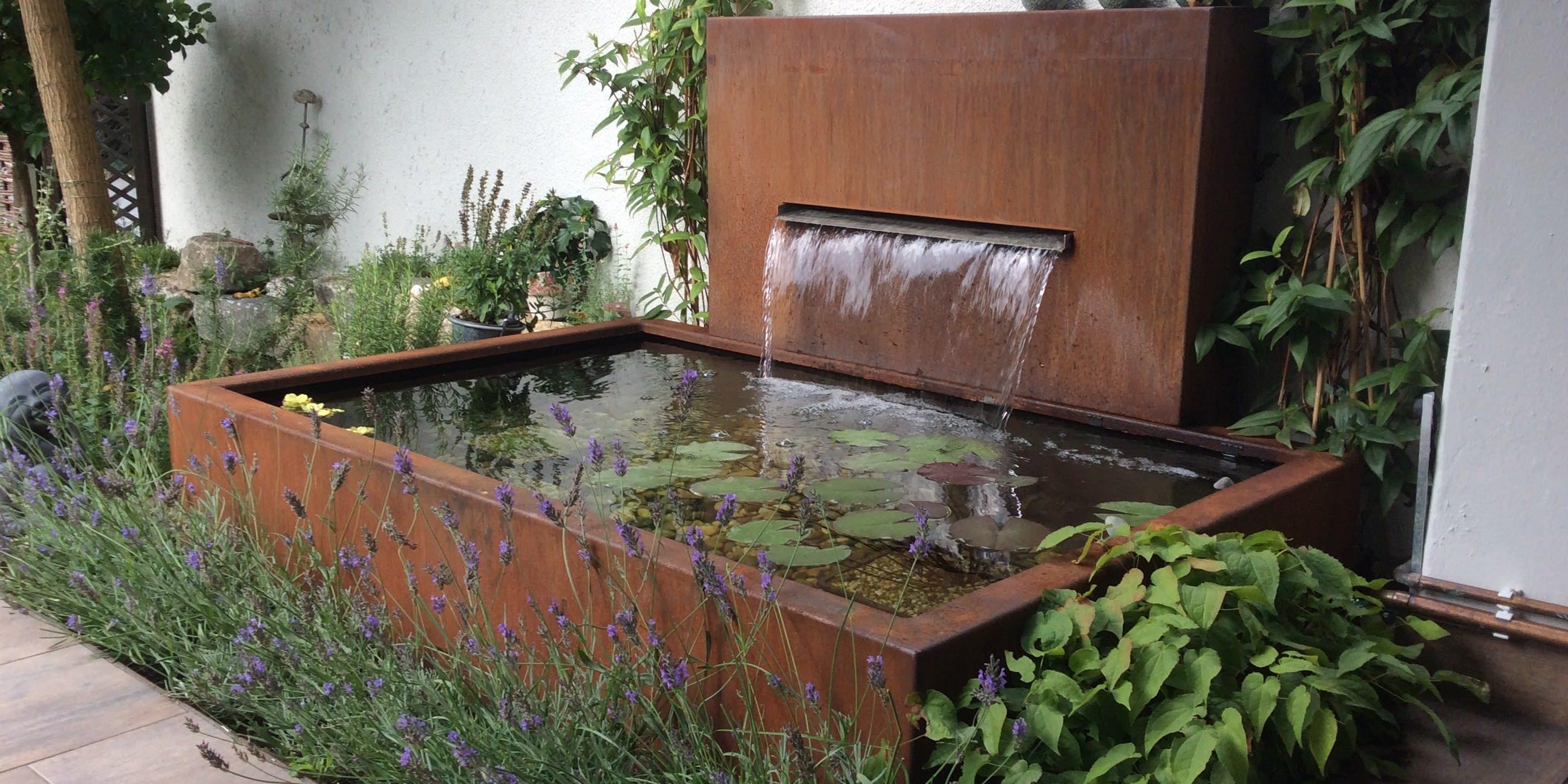 Springbrunnen aus Metall