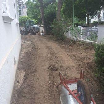 Garten Baustelle mit Schubkarre