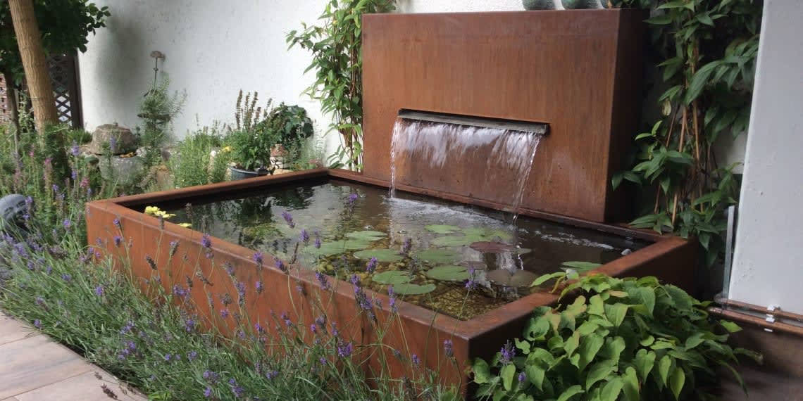 Wasserbecken installiert von Florian Feth Gartenbau