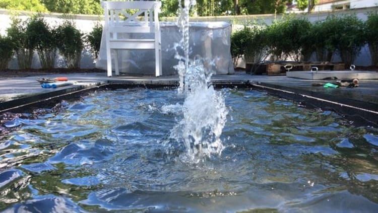 Gartenumgestaltung Wasserspiel Nachher mit Wasser