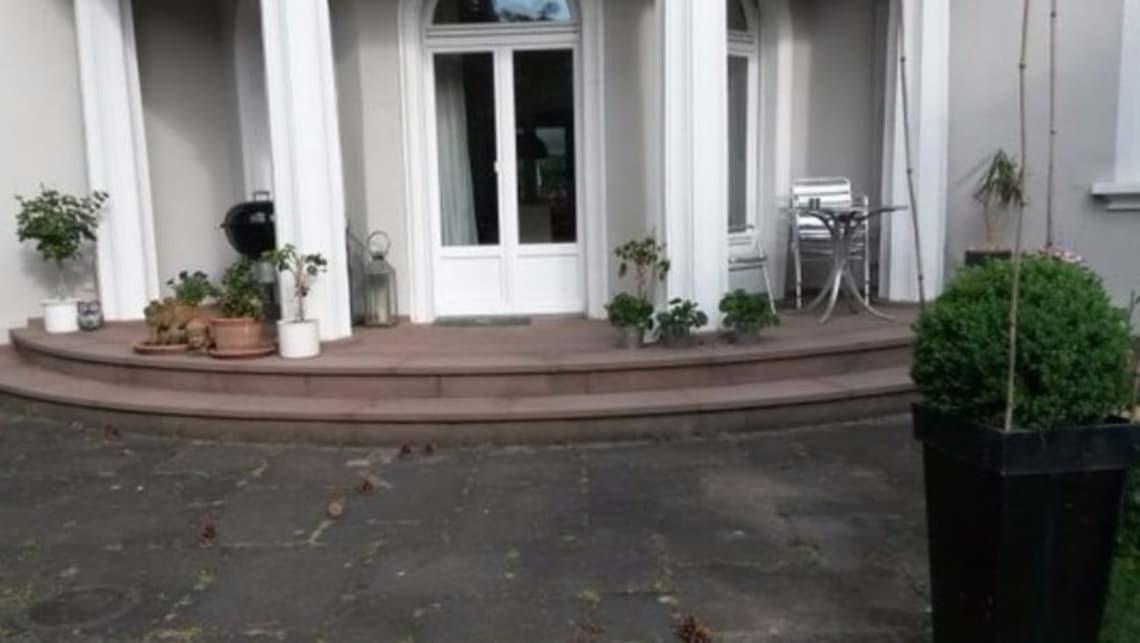 Gartenumgestaltung Terrasse mit Eingangsbereich