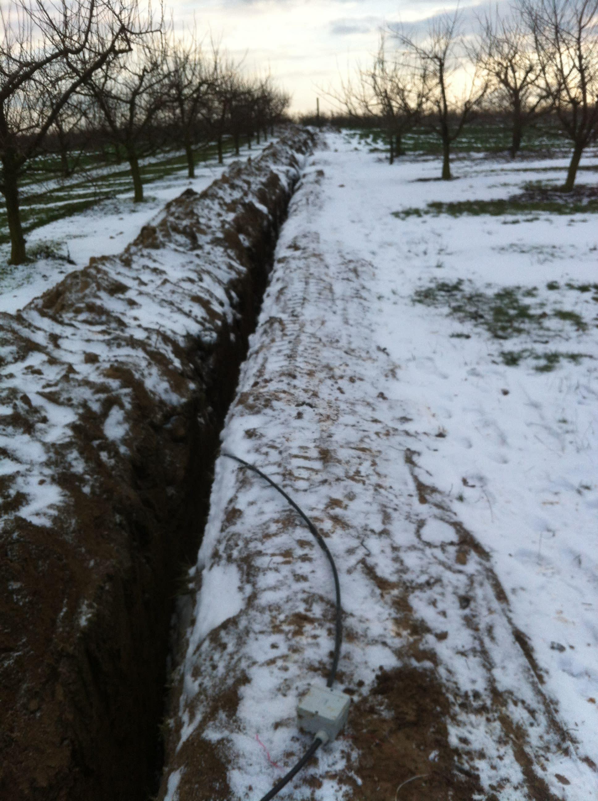 Über 3000 Meter Rohrleitungsgräben Bewässerungsanlage