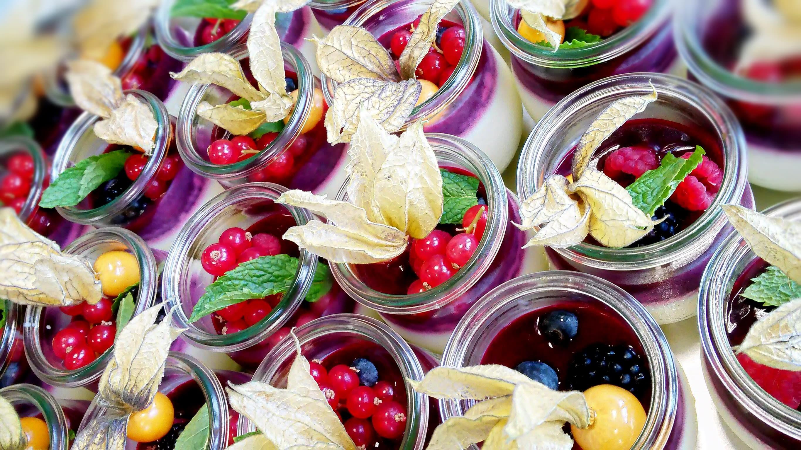 Catering Dessert Früchte im Glas