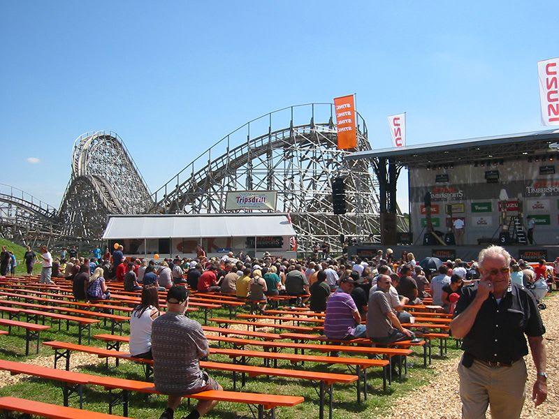 Erlebnispark Tripsdrill mit Bierbänken