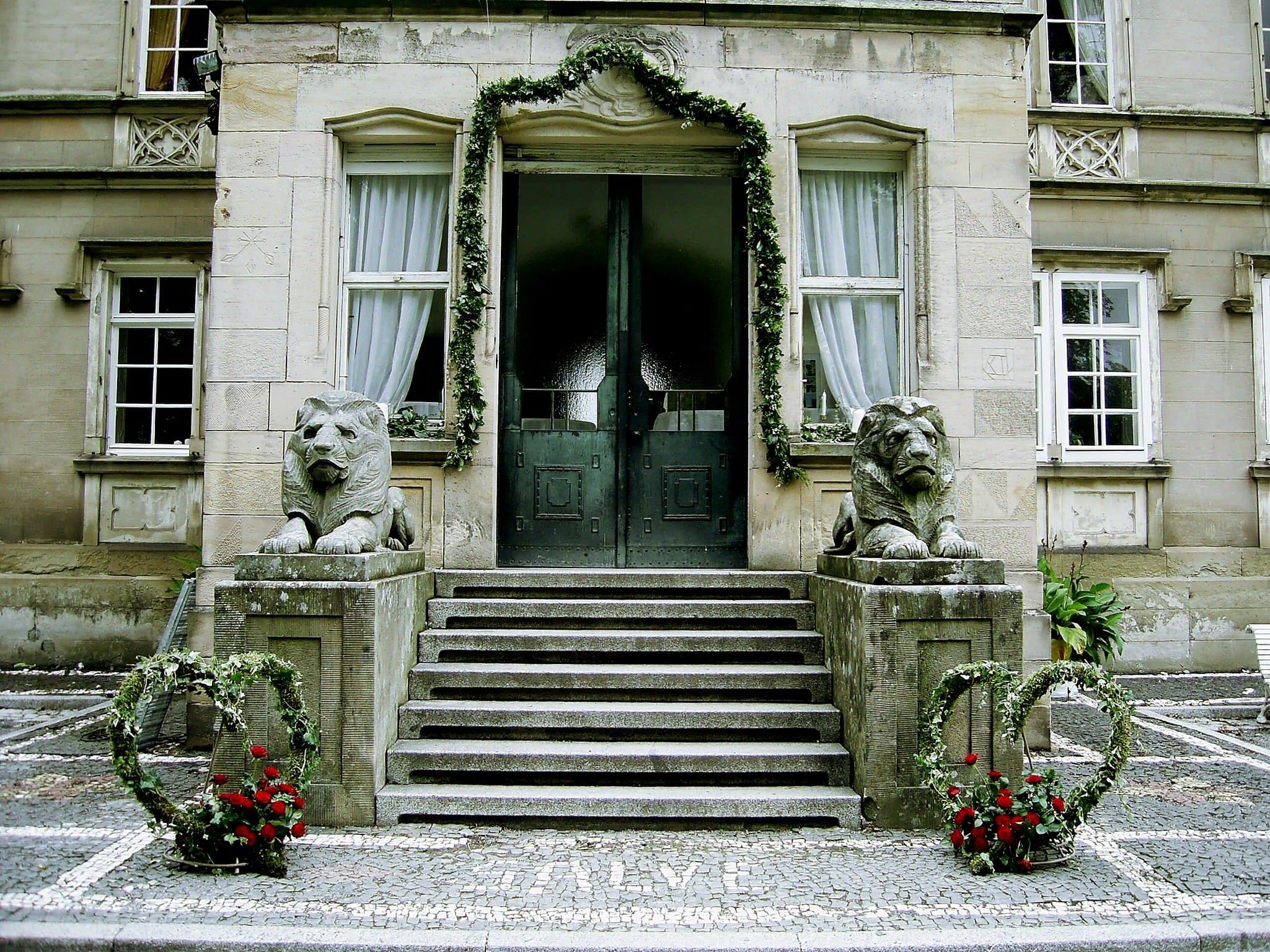 Burg Hochzeitslocation Löwen Eingang