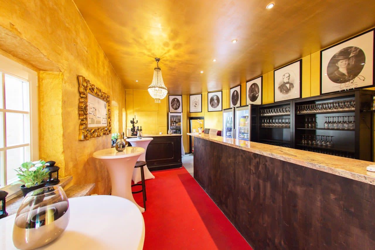 Schloss Mühlhausen Atelier Bar