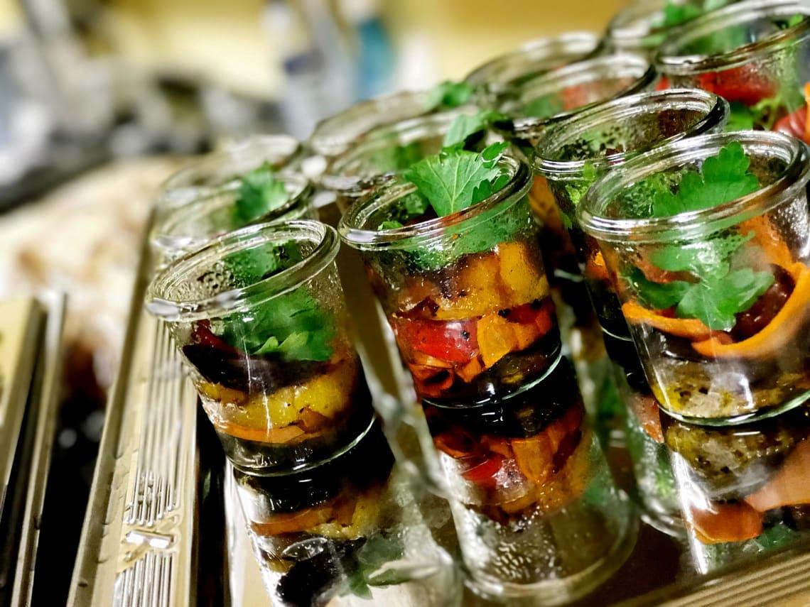 Alte Kelter Salat im Glas