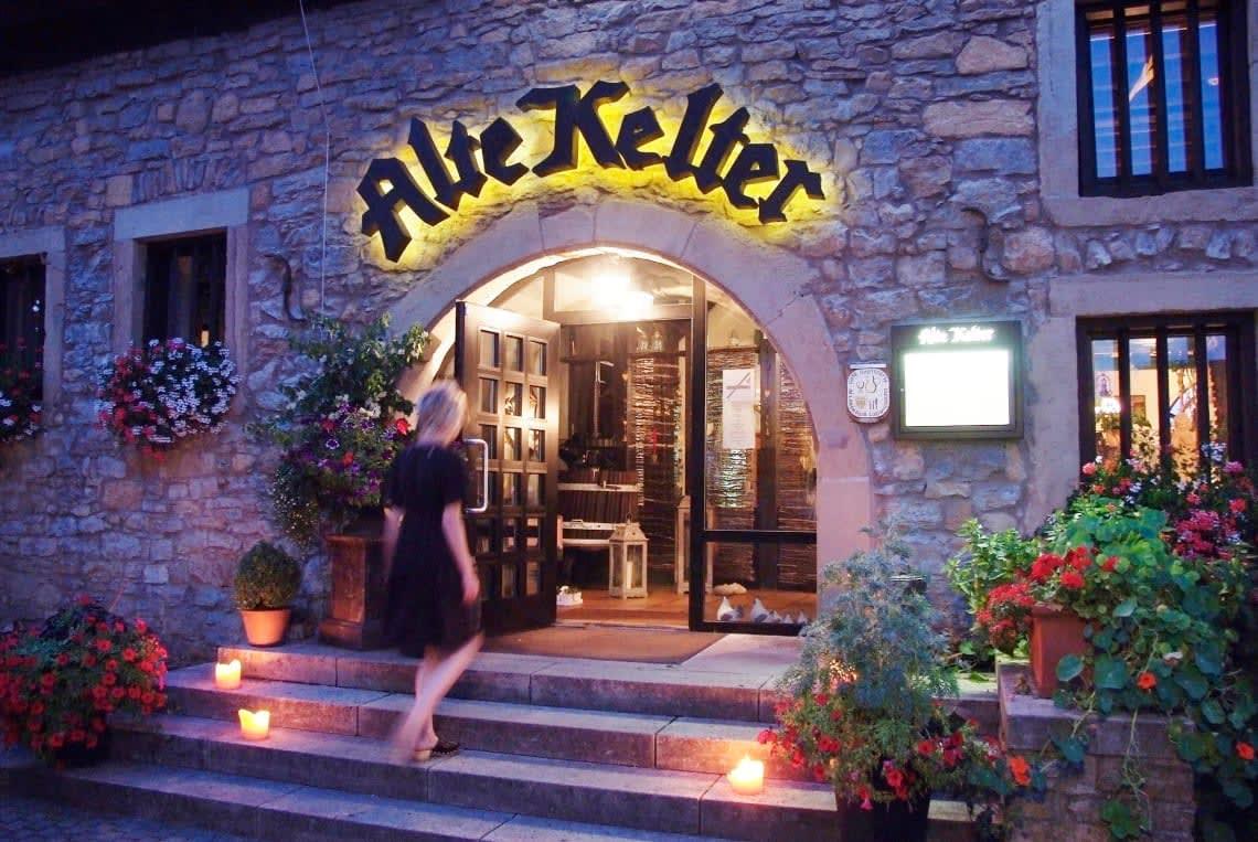 Alte Kelter Eingang abends