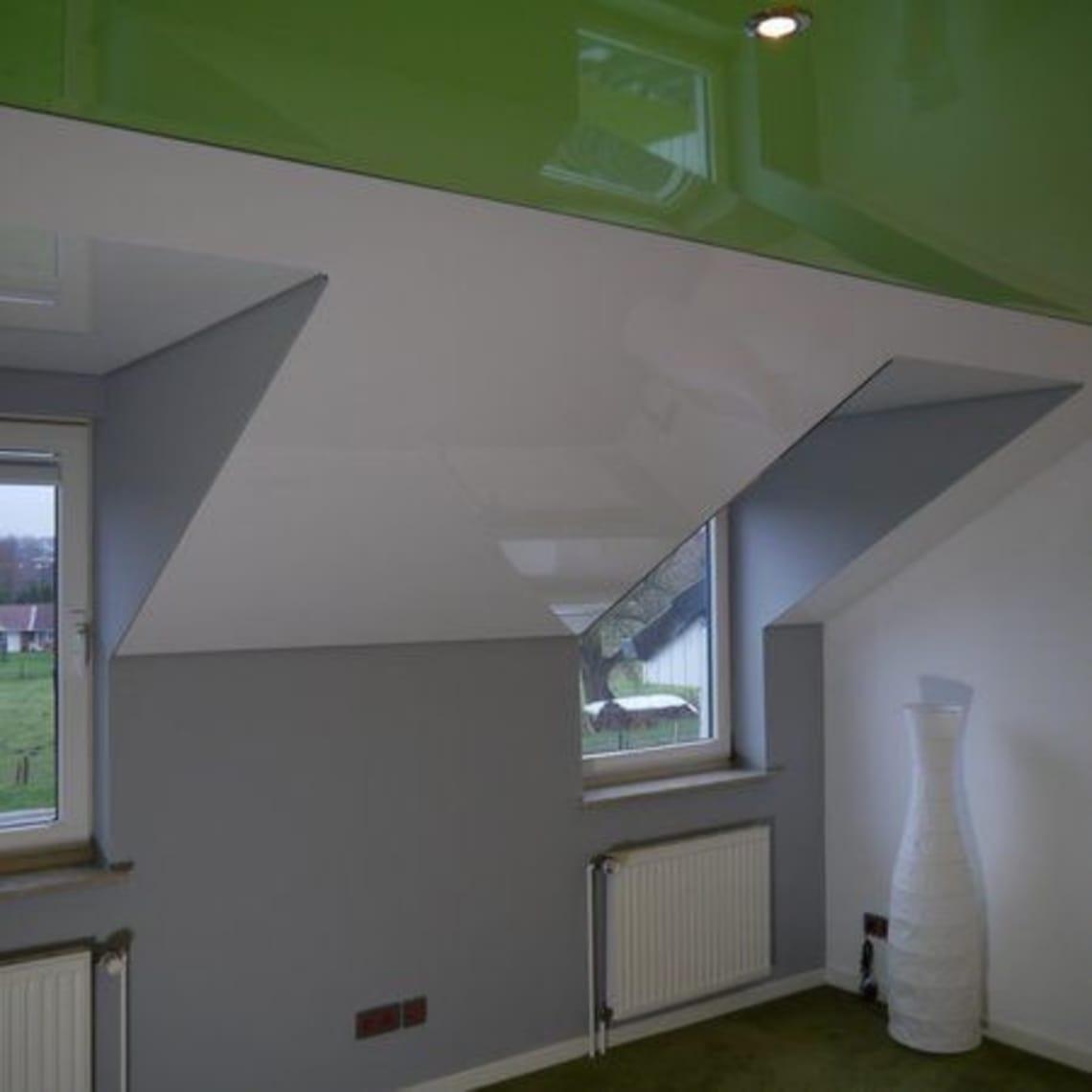 Spanndecke grün 2 Fenster