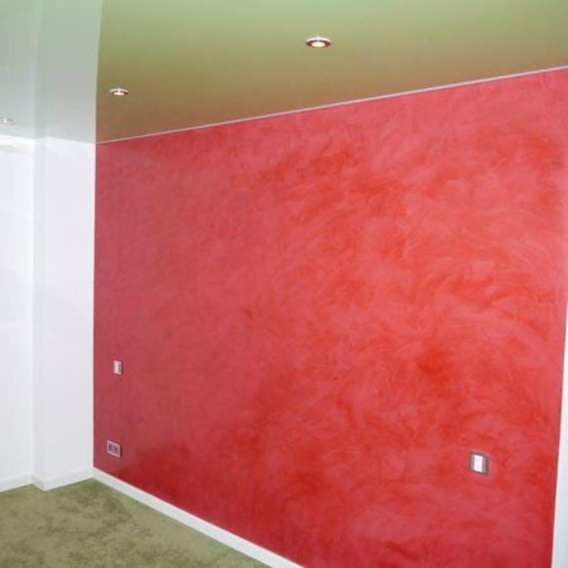 Spanndecke rote Wand