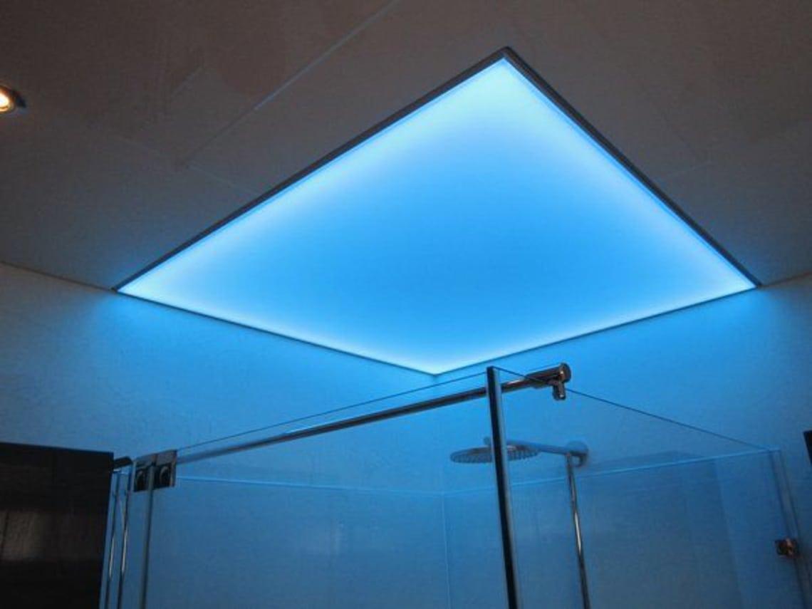 Lichtdecke über Dusche