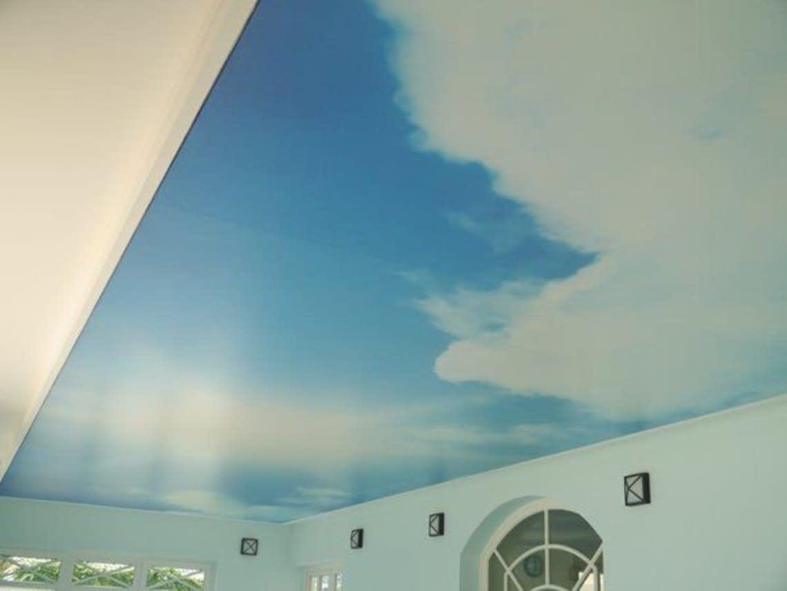 Lichtdecke mit Himmel