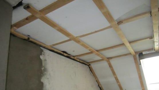 Unverputzte Dachschräge