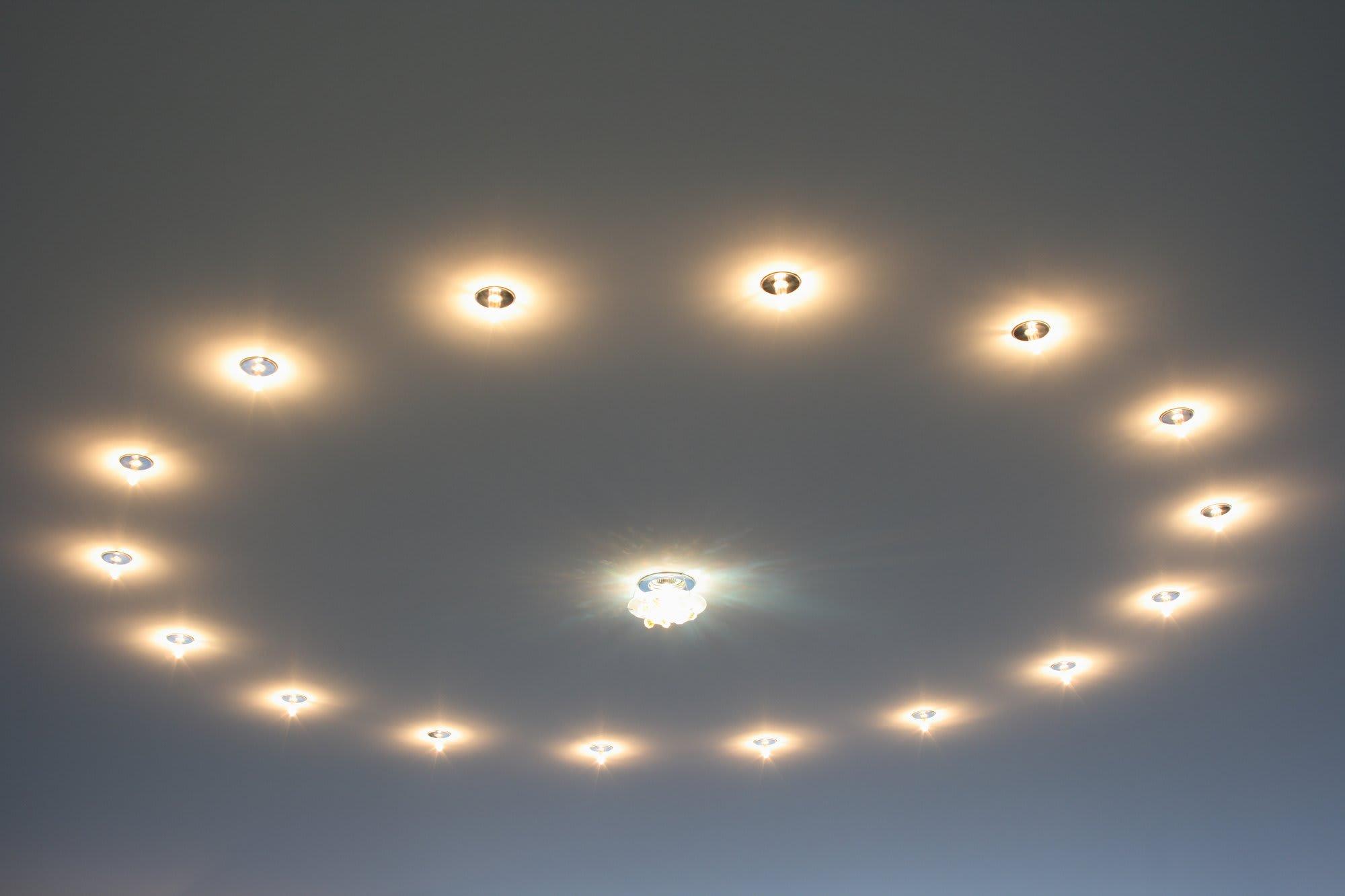 Spanndecke mit Beleuchtung in Kreisform