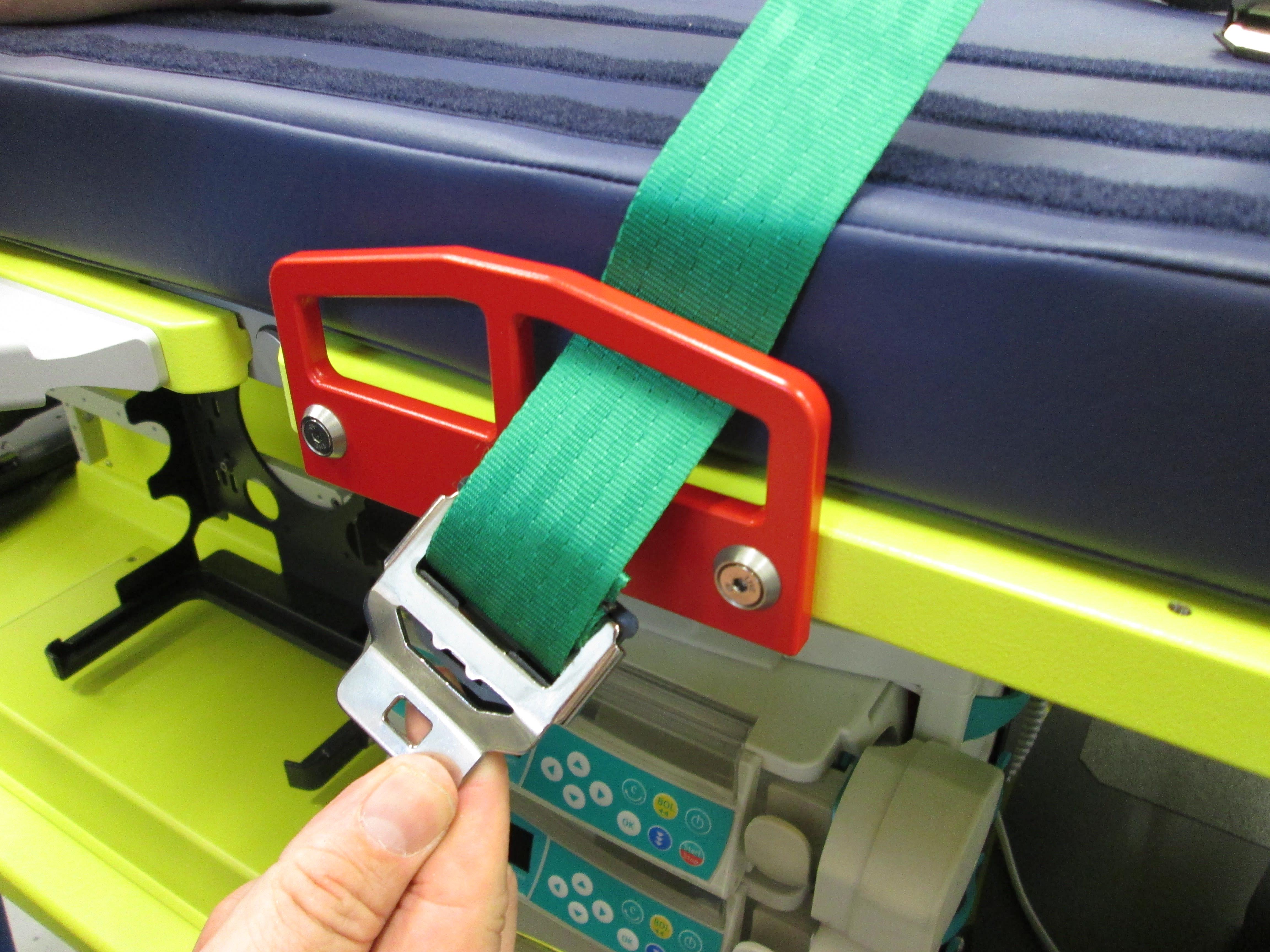 Transportmittel Anschnallgurt Grün und Gelb