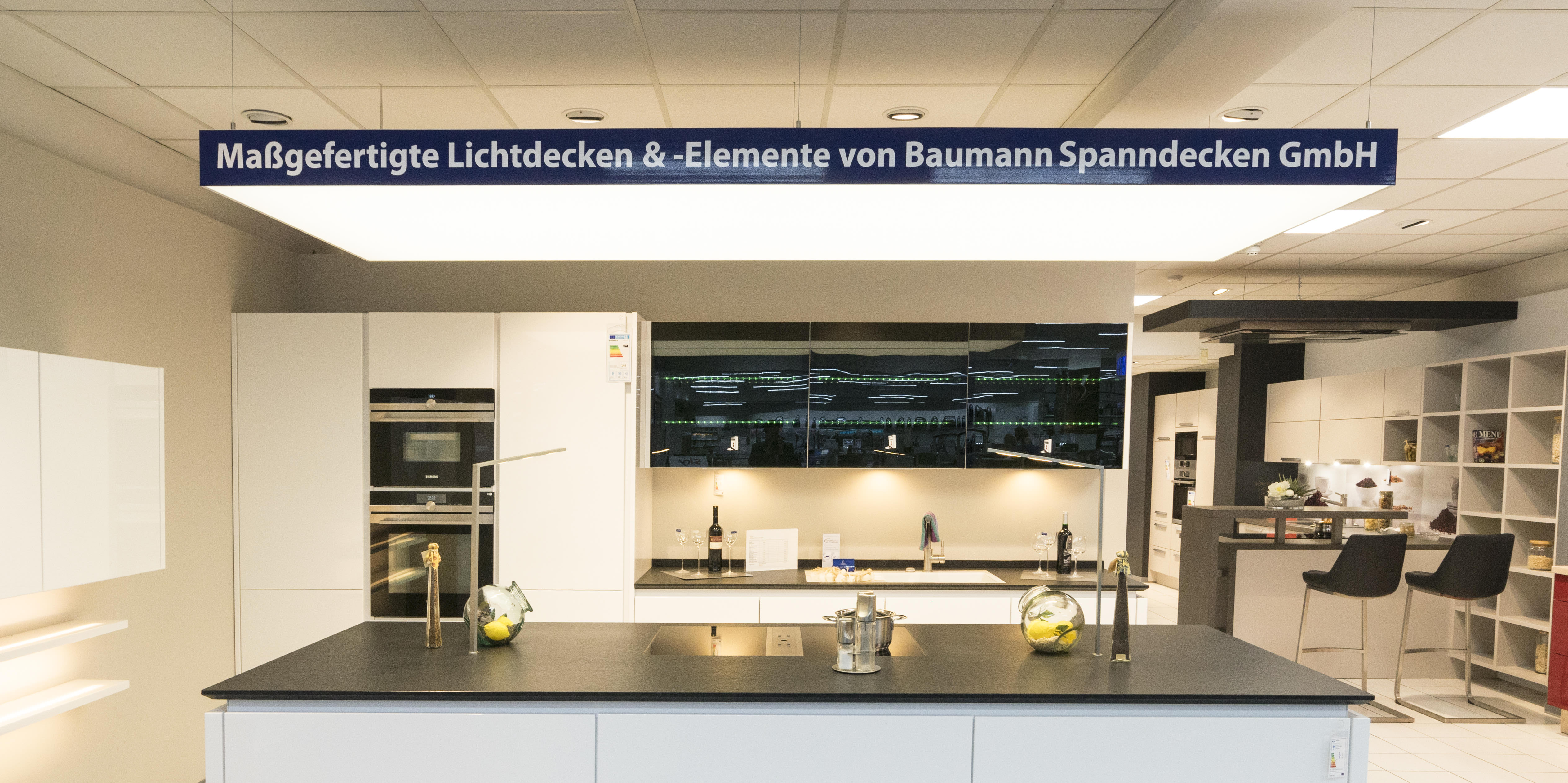 Baumann Spanndecken Deckensegel Lichtdecken Küche von vorne