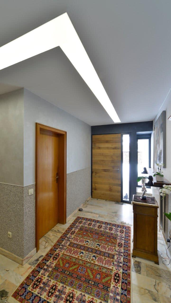 Referenz Privater Flur Eingangsbereich mit Teppich