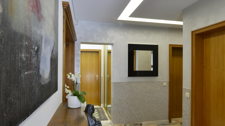 Referenzen privater Flur Eingangsbereich mit von anderem Winkel