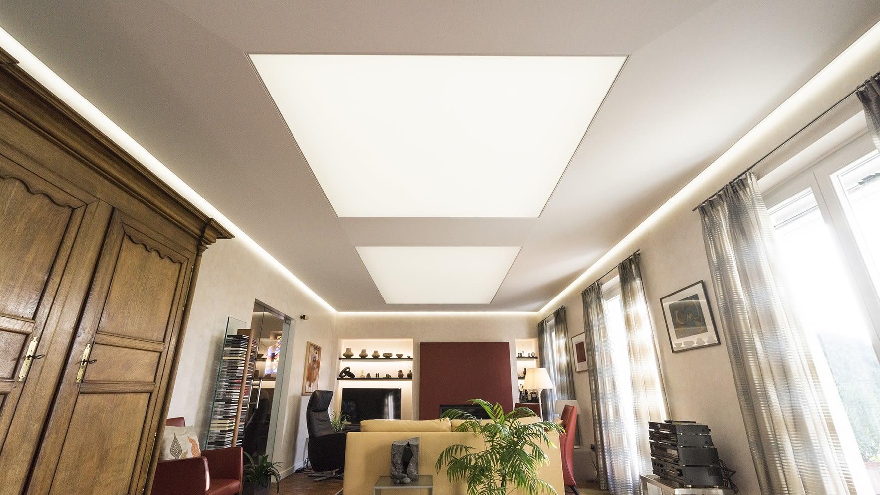 Wohnzimmer mit Deckendiamant helle Spanndecke