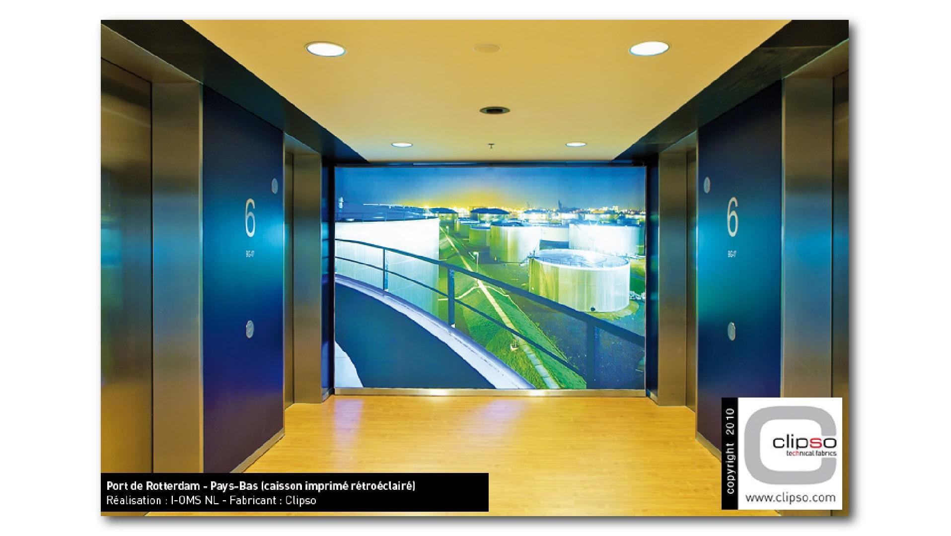 Hinterleuchtetes-Wandbild-Aufzug-01_fymwup