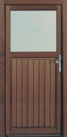 7 Holzhaustür braun mit Glasfenster